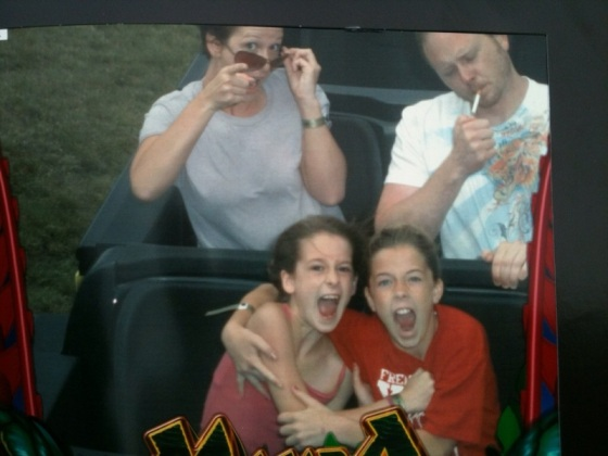 Funny-Rollercoaster-Pictures-Smoking